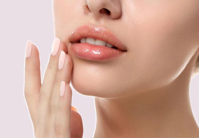 Embellir les lèvres à l'aide de l'acide hyaluronique à Cannes, Dr Pecha
